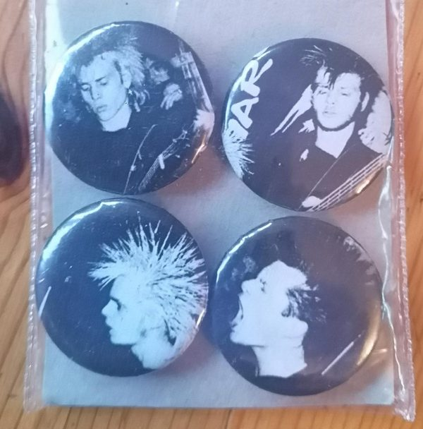Discharge – Hear Nothing Set 3 Badge