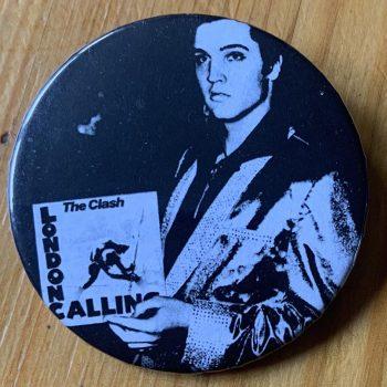 The Clash – Kamikaze Binlid 52mm Badge